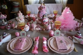 Une table de no l girly et gourmande for Centre de table gourmandise
