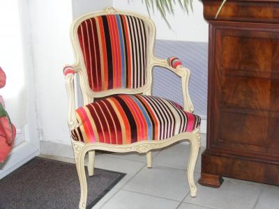 fauteuils et rev tements le relooking. Black Bedroom Furniture Sets. Home Design Ideas