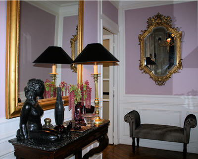 un appartement au style haussmannien revisit le vestibule. Black Bedroom Furniture Sets. Home Design Ideas